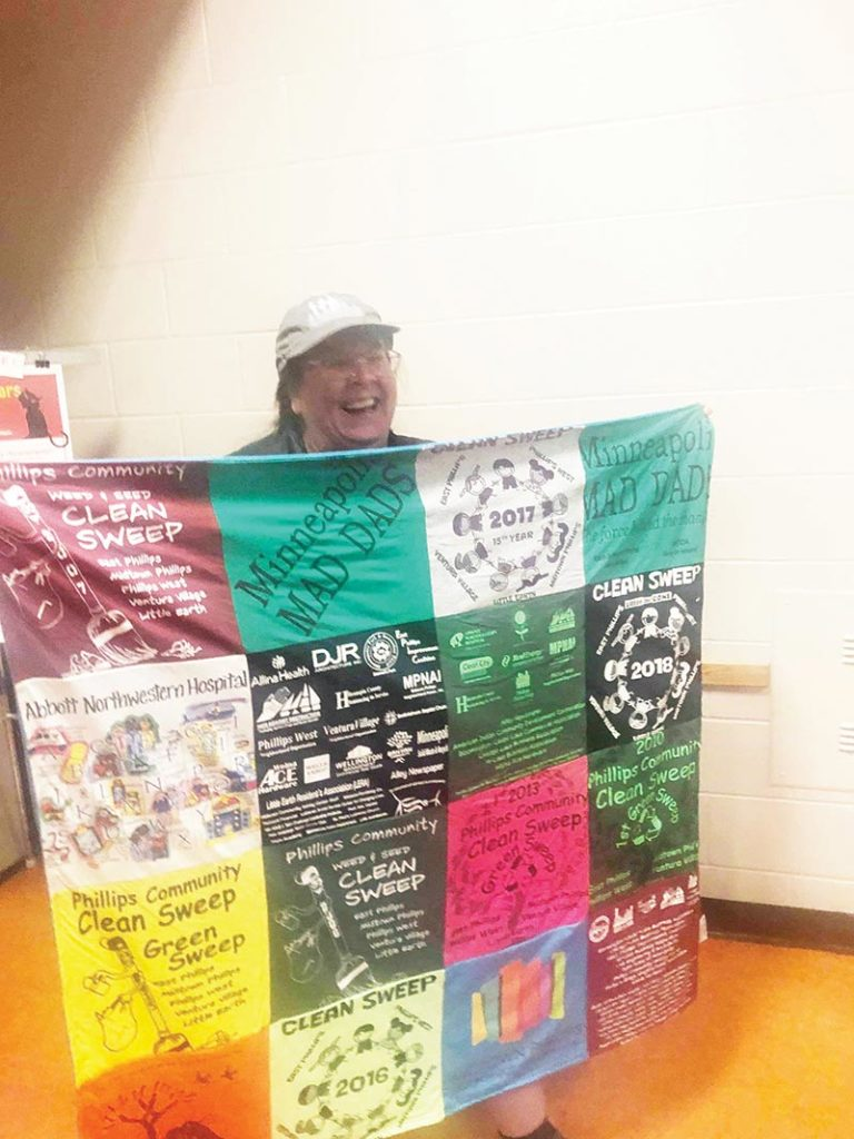 Jana Metge—Phillips' Good Neighbor and Advocate –  Extraordinary day for an extraordinary quilt, for an extraordinary neighbor